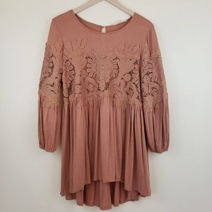 BY TOGETHER Blush Lace Inset Tunic Top Shirt Med.